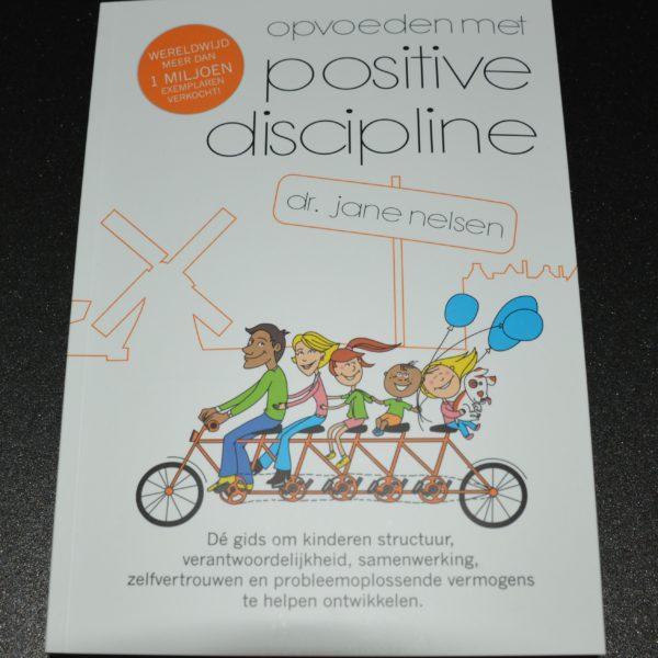 http://positivedisciplinenederland.nl/wp-content/uploads/2016/12/PDBoek-56-1-600x600.jpg